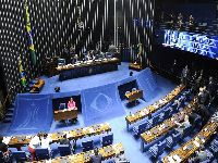 Parlamentares reagem contra fim do gasto mínimo em saúde e educação. 34975.jpeg