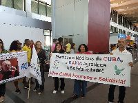 Médicos cubanos embarcam em Salvador com destino a Cuba. 29977.jpeg