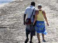 O que levam mulheres europeias solteiras viajarem para Quénia?