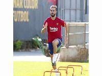 Barcelona apresenta oficialmente o meio-campista Pjanic. 33990.jpeg