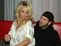 Pamela Anderson quer divórcio menos de três meses depois de se casar