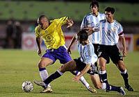 Copa América: Brasil e Argentina voltam a se enfrentar às 18h hoje