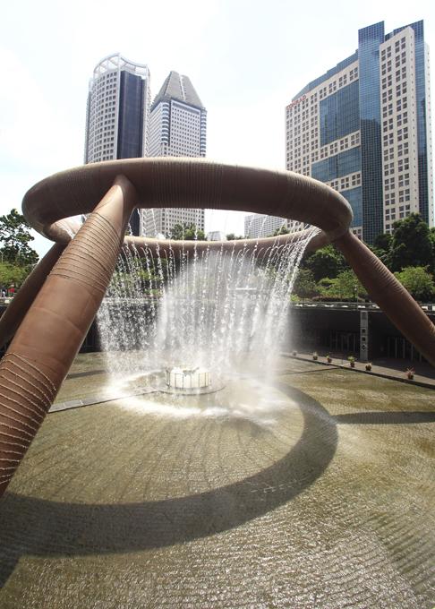 Idéias malucas sobre as fontes A fonte Wealth at Suntec City, Singapura . Fotodom.ru/Rex Features