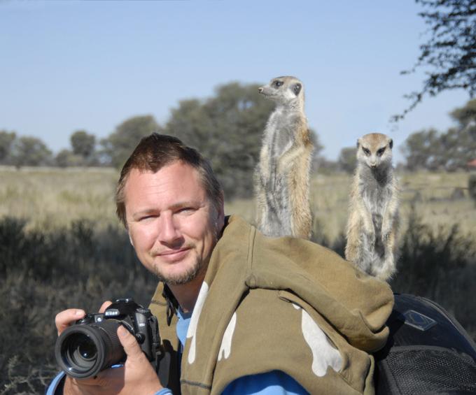 Suricates:  top modelos à africana Fotógrafo britânico, Dale Morris, durante uma viagem pelo o deserto de Kalahari conheci uma família de suricatos. Animais com prazer posaram para o viajante. Fotos Splash/AllOver