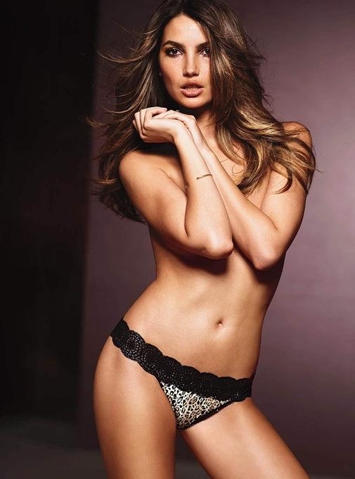 Adriana Lima: arte de sedução Adriana Lima compartilha esses dias em Nova York a divulgação da nova linha de sutiãs da Victoria's Secret, The Showstopper. Todos fotas Splash/All Over Press