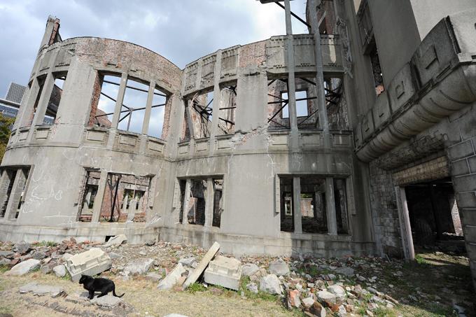 Hiroshima e  Nagasaki : como era O Japão assinala este mês o 70º aniversário dos bombardeamentos atómicos de Hiroshima e Nagasaki.As mortes causadas pelas explosões nucleares em Hiroshima e Nagasaki, em 6 e 9 de agosto, respectivamente, somam mais de 246 mil pessoas. Setenta anos depois dos bombardeamentos dois hospitais da Cruz Vermelha continuam a atender milhares de pessoas que ainda sofrem com sequelas deixadas pelos ataques. Fotos:Fotodom.ru/Rex Features
