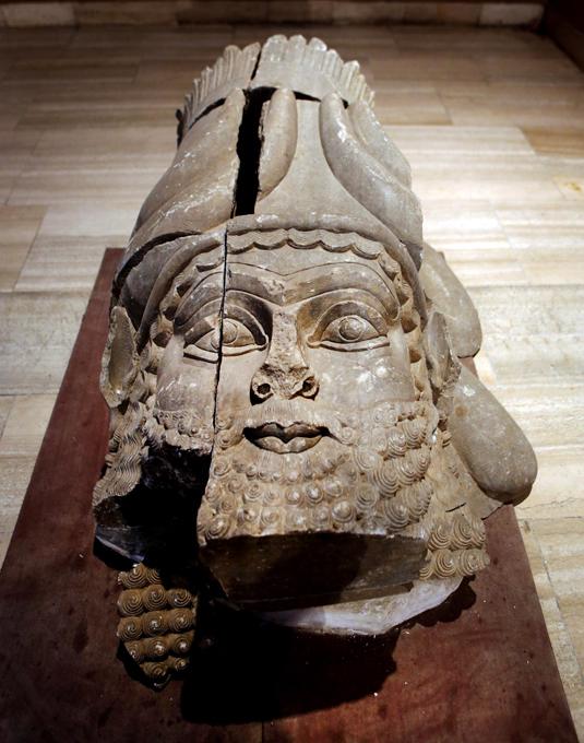 Estado Islâmico   destruiu templo de Baal Shamin em Palmiraf Templo de Baal Shamin datava do século 17 a.C. e fora ampliado durante o Império Romano sob o imperador romano Adriano, em 130 AC. Os  jihadistas divulgaram um vídeo na Internet,  confirmando  a tragédia.