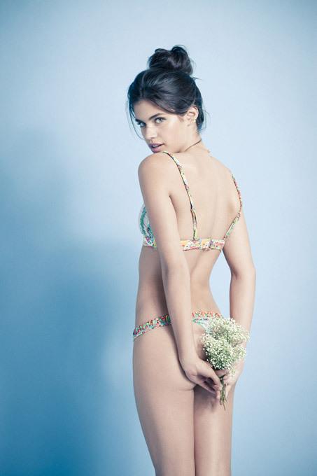 """Nova estrela  de glamour  a  portuguesa Sara Sampaio Considerada pelas muitas publicações """"modelo revelação 2013"""", Sara Sampaio, a jovem, de 22 anos, confessou: """"Entre os meus planos para o futuro está ser atriz. Vou fazê-lo de certeza!"""" Fotos Splash/All Over"""