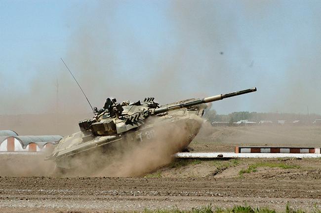 Tanque  principal do Exército russo Т-80