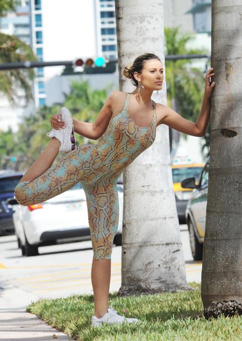 Andressa Urach flagrada em Miami Vice Miss Bumbum, Andressa Urach mostrou sua beleza durante uma tarde em uma praia de Miami. As imagens foram destaque no site internacional de celebridades Egotastic. Fotos Splash/All Over