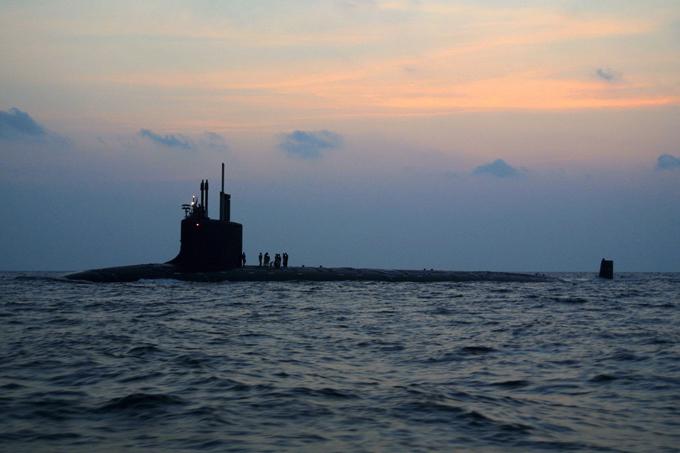 Sexta Frota da Marinha dos EUA no mar Báltico O avião de reconhecimento antissubmarino dos EUA, se aproximou nesta quarta (15) do litoral da Rússia em meio aos exercícios da OTAN Baltops 2016, ainda em curso perto da fronteira ocidental russo.Relatos indicam que a aeronave decolou de uma base na Alemanha e se aproximou da costa russa na região de Kaliningrado.  De acordo com a Sexta Frota da Marinha dos EUA, na terça-feira (14) dois de seus aviões espiões – o P8 Poseidon e o P-3 Orion – sobrevoaram o mar Báltico para desenvolver uma simulação de busca e localização de um submarino inimigo, cujo papel foi desempenhado por um submarino polonês. Nesse mesmo dia, um avião de reconhecimento sueco Gulfstream 4 também foi detectado perto das fronteiras russa, de acordo com informações da radio Sputnik. ©Fotodom.ru/Rex Features