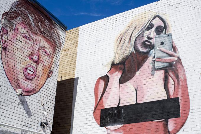 Palhaçada americana das eleições Dia 8 de Novembro os americanos irão eleger um novo presidente. Os preparativos passam com  muito bom humor.©Fotodom.ru/Rex Features