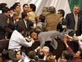 Há feridos na  briga entre os deputados  do Congresso mexicano