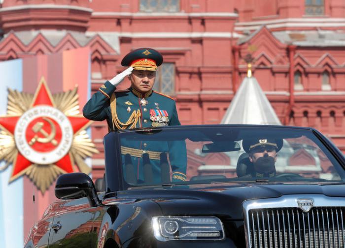 O ministro da Defesa, Shoygu, elogia o exército russo como o melhor do mundo