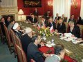 Irã manterá programa nuclear civil, mas continuará negociando
