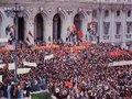 Das ditaduras e revoluções