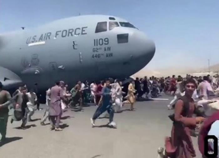 Imagens terríveis no aeroporto de Cabul é vergonha para os EUA