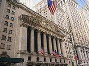 Coronavírus: nos Estados Unidos, mercado de ações dispara enquanto americanos morrem