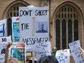Prisão de Assange é vingança pessoal do presidente equatoriano , diz Rafael Correa