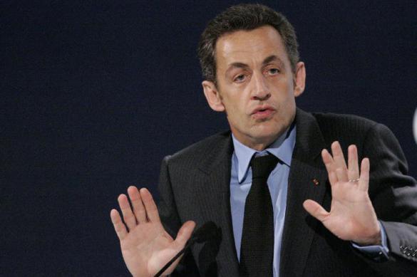 Nicolas Sarkozy condenado a um ano de prisão