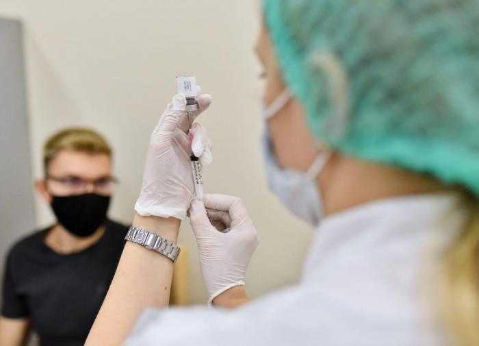 Reino Unido diz que a vacinação piorou a pandemia global
