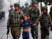 Crianças palestinianas sofrem maus-tratos nas cadeias israelitas