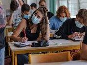 A França reforça o protocolo sanitário no setor da educação