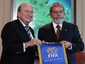 Blatter apoia  a candidatura do Brasil  à Copa do Mundo 2014