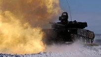 O carro de combate T-80 foi desenvolvido nos finais dos anos 70, como resposta à construção dos tanques M1 Abrams e Leopard 2 alemão. O tanque se encontra atualmente em serviço. Fotos Itar-Tass.
