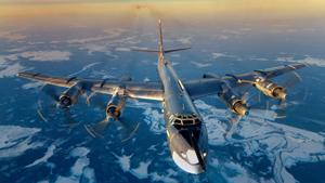 Rússia anunciou que planeja enviar bombardeiros de longo alcance Tupolev -95 em patrulhas aéreas sobre as águas norte-americanos, incluindo o Golfo do México.  Mas o Pentágono minimizou a missão de Moscou como treinamento de rotina em espaço aéreo internacional.   O anúncio feito pelo ministro da Defesa russo, Sergei Shoigu veio poucos dias depois da OTAN ter destacado algumas incursões russos no espaço aéreo europeu, incluindo formações mais complexas de aeronaves voando rotas  provocativas . Fotos Pravda.Ru.
