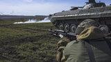 Soldados do Exército da Novarússia realizaram exercício militar tático.Fotos AP.
