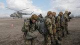Em um campo de treinamento militar perto da cidade de  Zhitomir a Ucrânia começou ensino de unidades militares das Tropas aerotransportadas. Em 2008, na cimeira de Bucareste, a NATO concordou que a Ucrânia tinha condições para integrar a Aliança Atlântica.  O leitor acha que é mesmo assim?