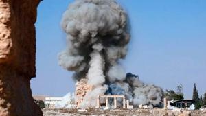 Templo de Baal Shamin datava do século 17 a.C. e fora ampliado durante o Império Romano sob o imperador romano Adriano, em 130 AC. Os  jihadistas divulgaram um vídeo na Internet,  confirmando  a tragédia.