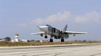 A Rússia tem realizado sua ofensiva aérea contra as posições do grupo terrorista Estado Islâmico na Síria desde 30 de setembro em resposta a um pedido oficial de ajuda militar apresentado por Damasco.Segundo os dados do Ministério da Defesa russo, os ataques lançados pelos caças Su-34, Su-24M e Su-25 já destruíram uma série de infraestruturas do Estado Islâmico e danificaram significativamente a rede de comando e apoio logístico dos militantes.O porta-voz do presidente russo Dmitry Peskov afirmou que a operação das Forças Armadas russas na Síria visa apoiar os esforços do exército sírio. Fotos: Ministério da Defesa russo.