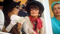 """Franceses divulgaram os novos arquivos de documentos a mostrarem a ligação entre Coco Chanel e a inteligência alemã nos tempos da Segunda Guerra Mundial.Um documento que faz parte do arquivo sobre Chanel revelou que a estilista era suspeita de ser """"a amante e agente do barão Guenter von Dinklage"""", ex-embaixador e suposto agente da Alemanha nazista, entre os anos 1942 e 1943.Cabe lembrar que é geralmente acreditado que depois da prisão do seu sobrinho, Chanel estabeleceu contato com as autoridades alemãs, e depois da libertação da França, foi acusada de colaborar com nazistas e foi expulsa da França.©Fotodom.ru/Rex Features"""