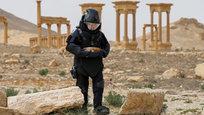 Os especialistas russos já trabalham para encontrar e neutralizar minas na antiga cidade síria de Palmyra. Desde 1 de Abril, 2016, os  sapadores russos cancelaram mais de 180 hectares de terra em Palmyra. Cerca de 3.000 engenhos explosivos foram encontrados e neutralizados, dise o ministro da Defesa russo, Sergei Shoigu. Fotos Pravda.Ru