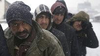 Refugiados: morrer se não afogados, por frio